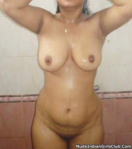 Punjabi good figure girl nude bath pictures | Desi Indi