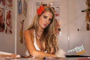 UK Glamour Model and Actress KERRI PARKER sextape